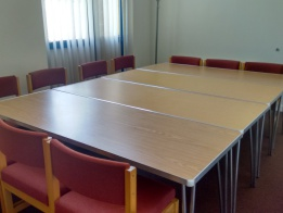 An image of a meeting room